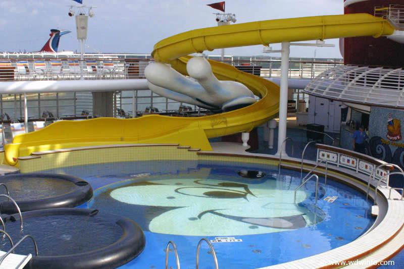 Pools_MickeyPool_03