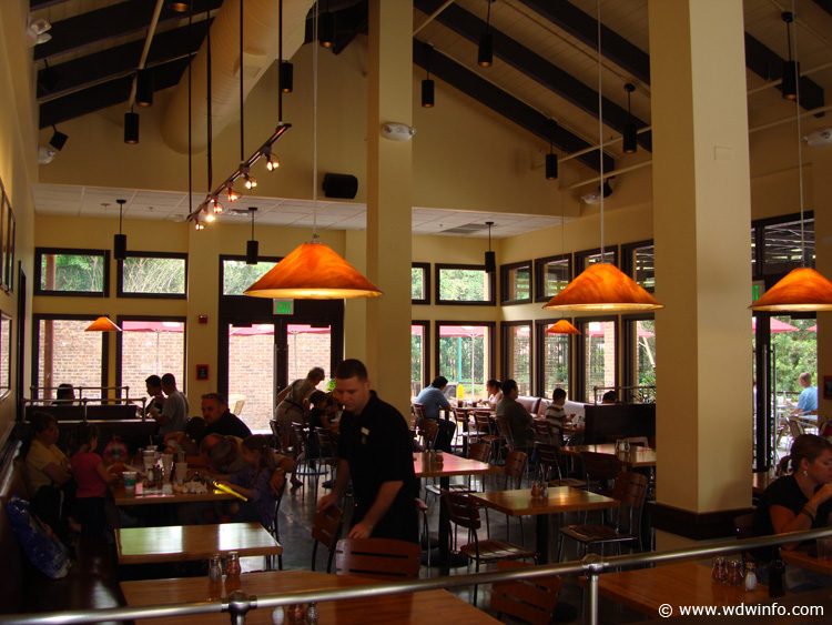 Wolfgang Puck Express seating area