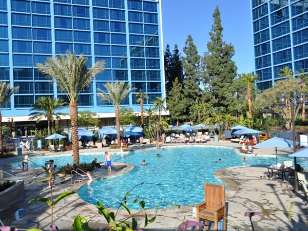 hotel disney land: