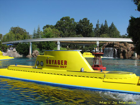 Finding Nemo Submarine Voyage Photos  Disneyland California