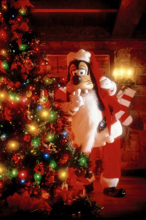 disney - When Do Christmas Decorations Go Up At Disney World 2017
