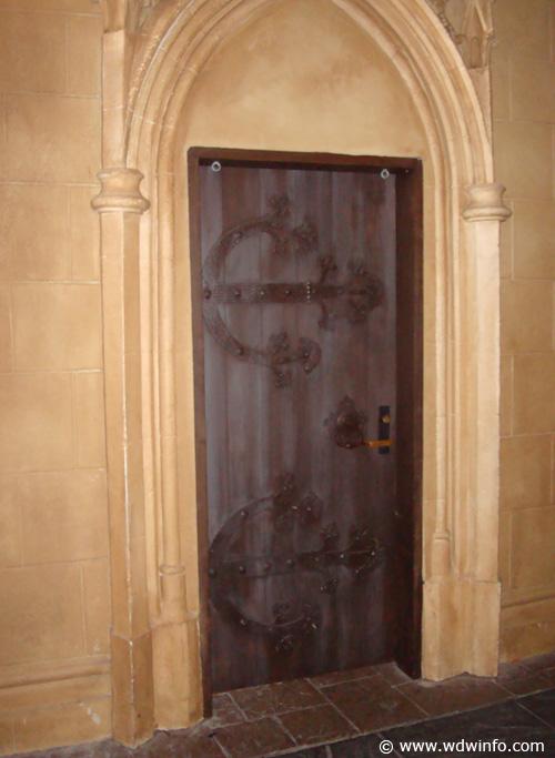 Cinderella Castle Suite 01
