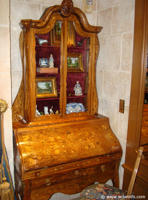 Cinderella Castle Suite 16