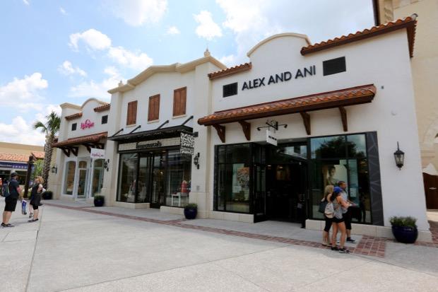 Disney springs clothing stores