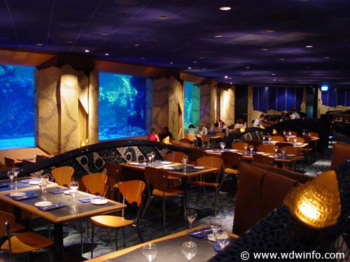 Pré-trip [WDW+UNIVERSAL] 01-09-2010 au 15-09-2010 : Préparation du trip + en bonus, DVD de promotion de WDW 2010 (page 5) Coral_reef_500