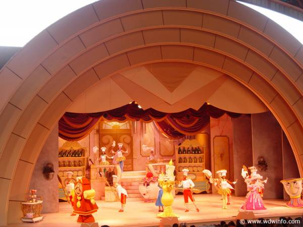 Beauty_and_the_Beast_Stage_Show_12