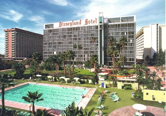 a history of the disneyland hotel  u2013 the happiest hotel on
