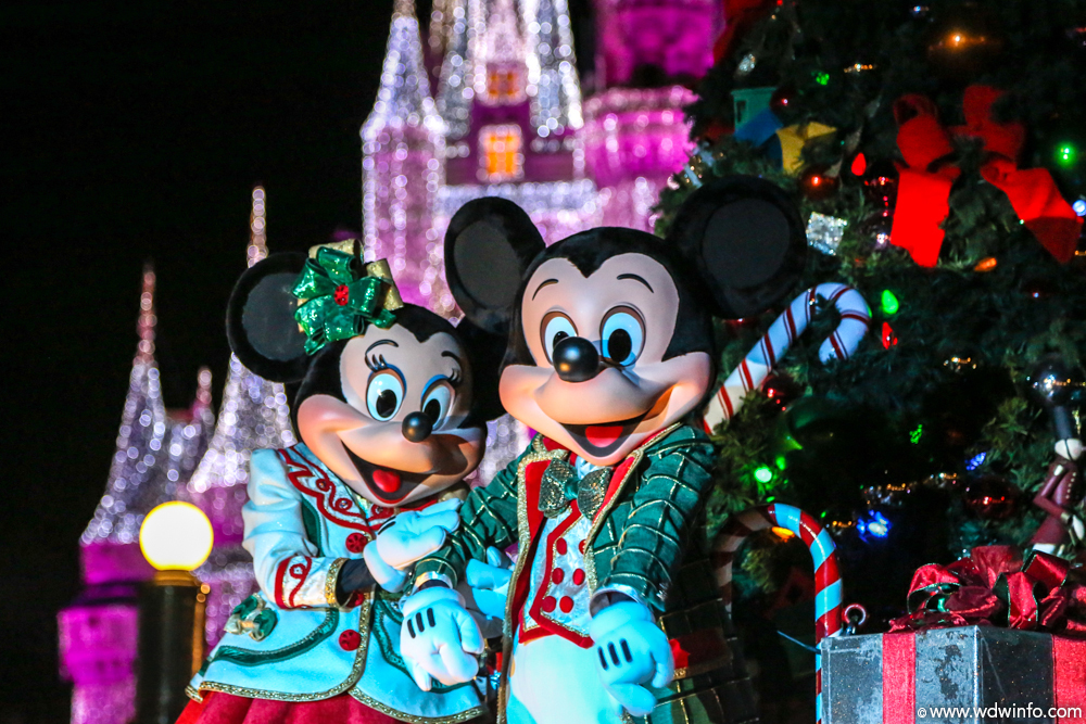 Mickeys Very Merry Christmas Party.Disney Announces Return Of Tony S Most Merriest Town Square