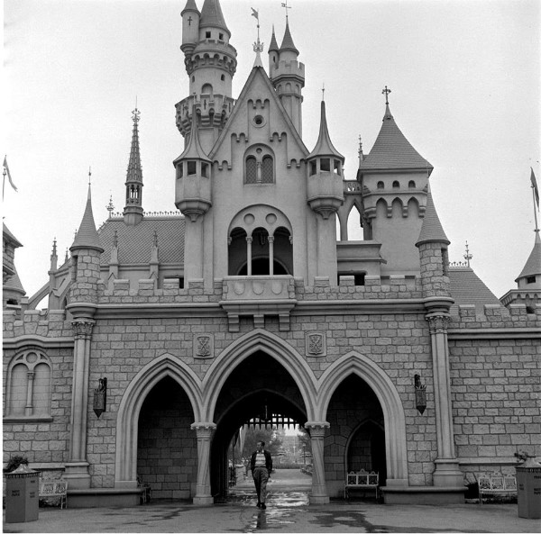 walt and the castle