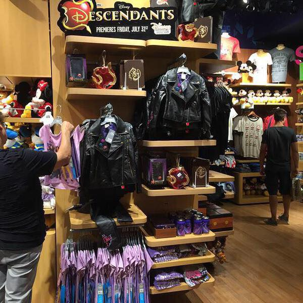 Disney Descendants Line Brings Teenage Sons Amp Daughters Of