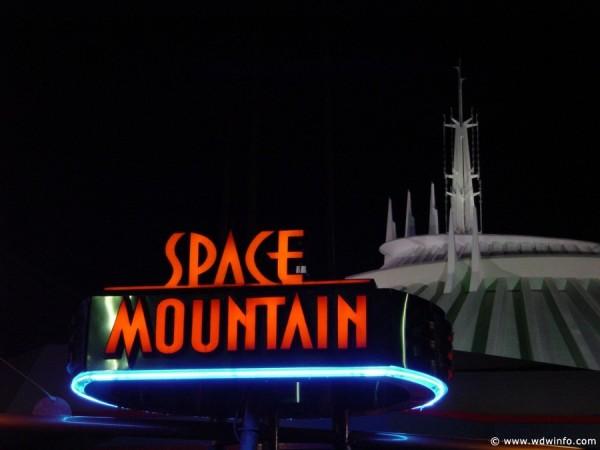 Space-Mountain-14