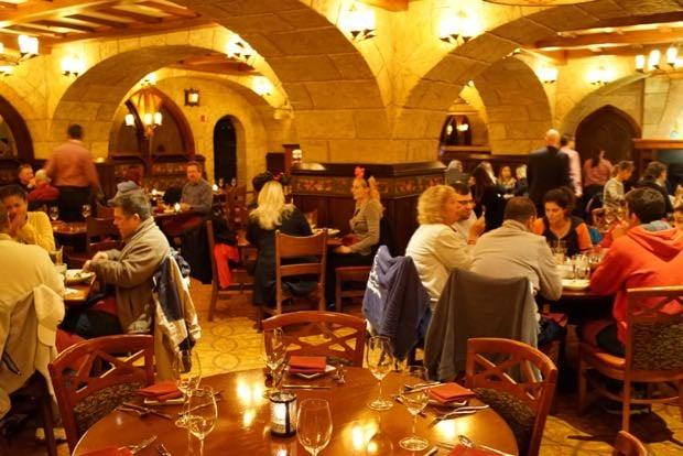 Le Cellier Steakhouse MENU & Le Cellier Steakhouse Menu - EPCOT World Showcase