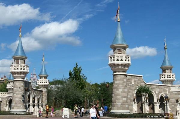 Fantasyland-Disney-World-03