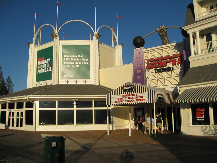 Limited Reservations Now Accepted At Disney S Espn Club On The Boardwalk