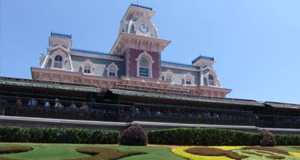 Children now being asked to scan fingers when entering the Walt Disney World theme parks