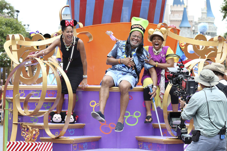 """BLACK-ISH - """"VIP"""" - Dre decides to take his family to Walt Disney World on the magical, first-class vacation experience he was never able to have as a kid. With the help of a VIP tour guide, Dre and the kids take full advantage of their VIP status. Meanwhile, Bow, Pops and Ruby set off on their own adventure at Walt Disney World, on the season three premiere of """"black-ish,"""" WEDNESDAY, SEPTEMBER 21 (9:31-10:00 p.m. EDT), on the ABC Television Network. (ABC/Gregg Newton) TRACEE ELLIS ROSS, LAURENCE FISHBURNE, JENIFER LEWIS"""