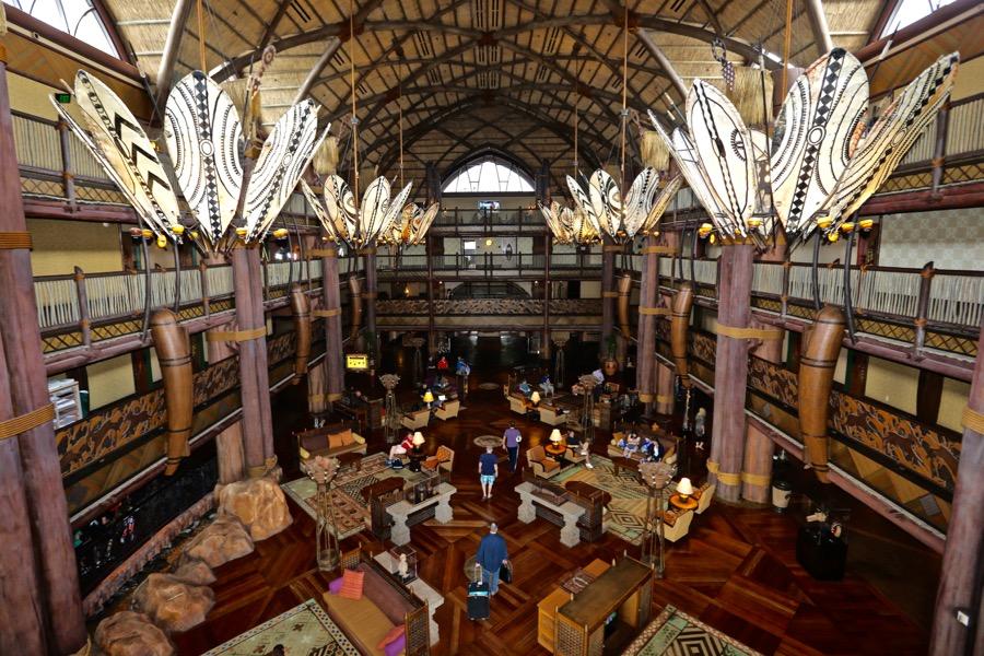 animal-kingdom-lodge-lobby-14