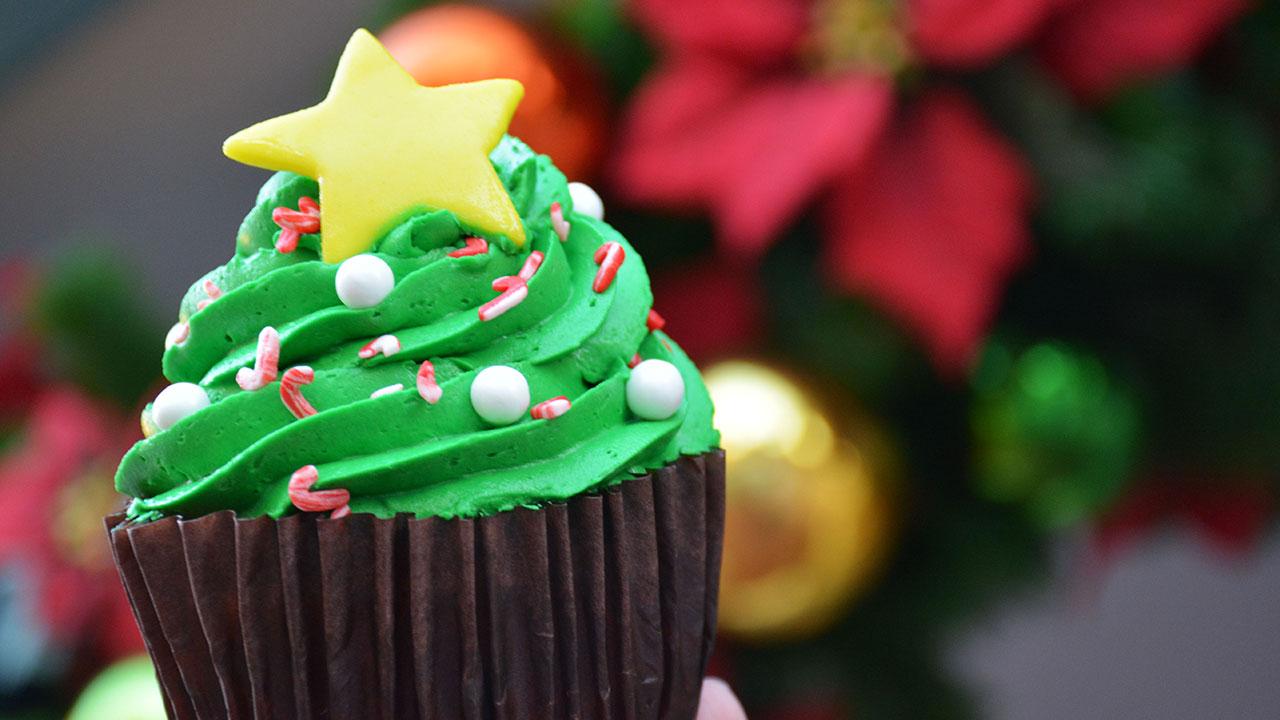 holiday tree cupcake