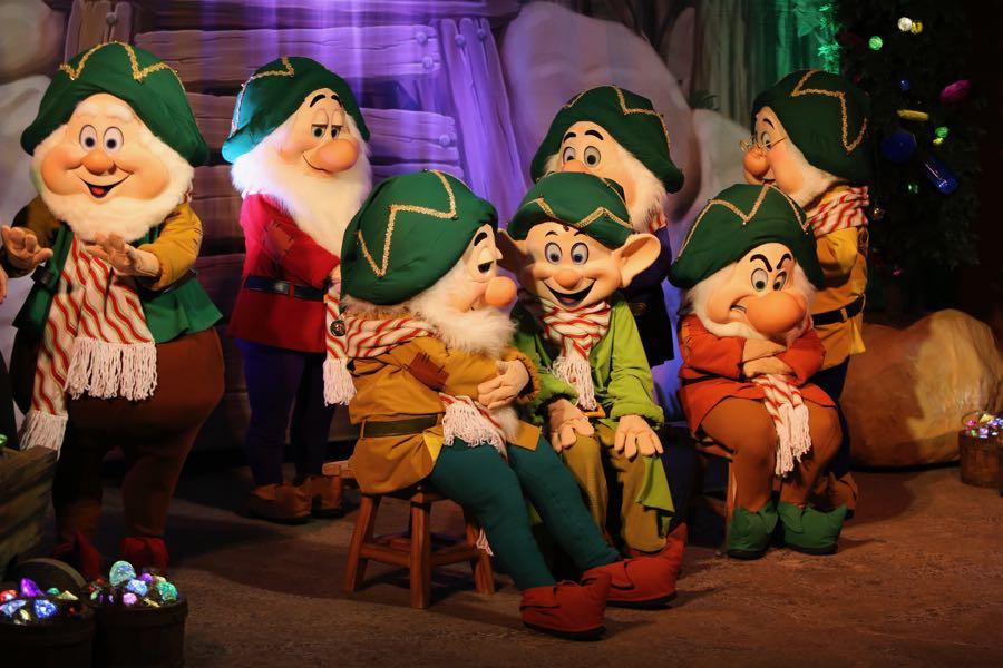 mickeys-very-merry-christmas-party-2016-017