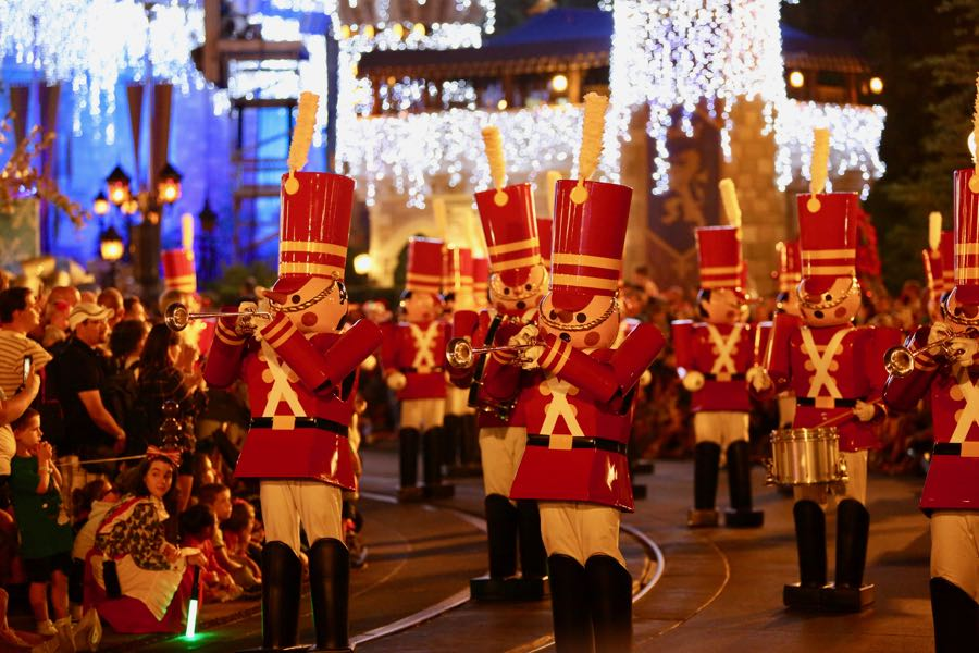 mickeys-very-merry-christmas-party-2016-025