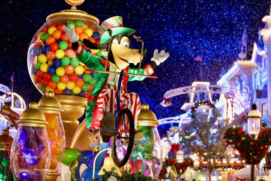 how to have a successful mickeys very merry christmas party - Mickeys Christmas Party Tickets
