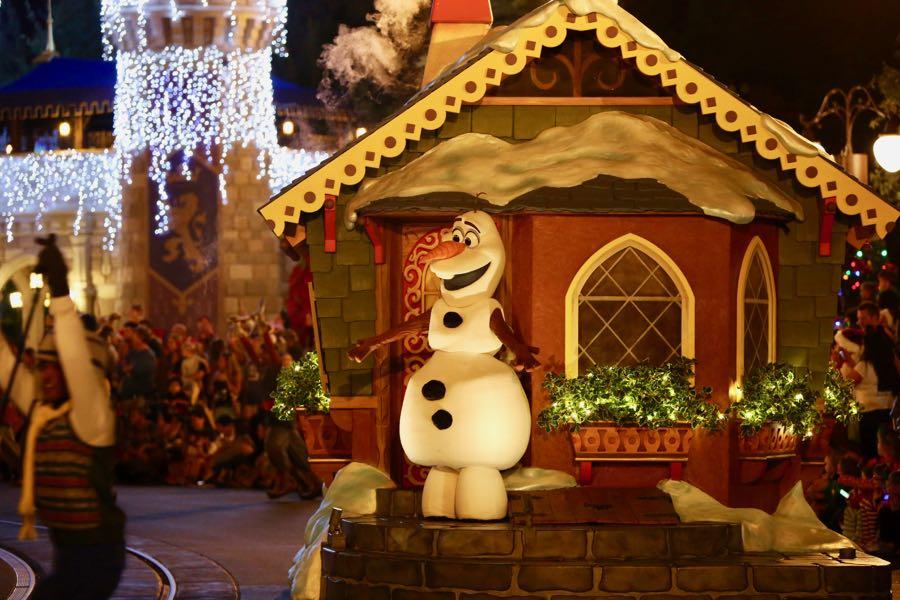 mickeys-very-merry-christmas-party-2016-037