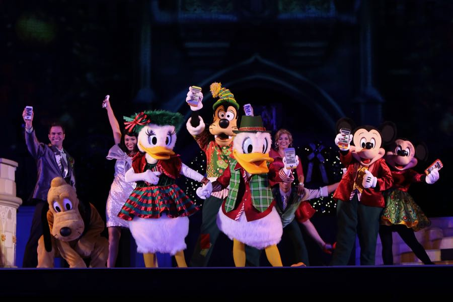 mickeys-very-merry-christmas-party-2016-073