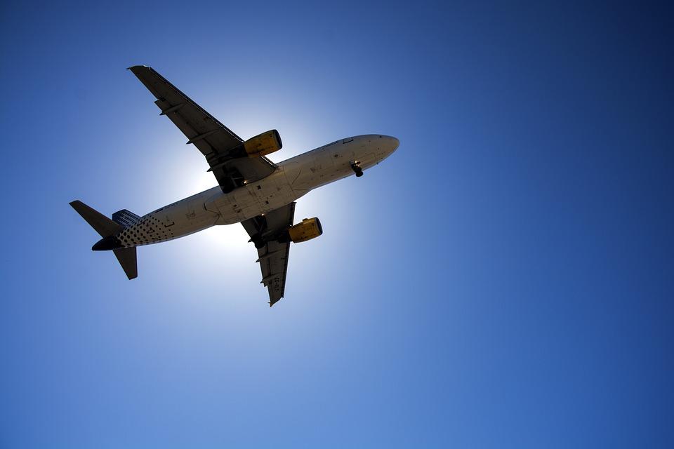 plane-1001287_960_720