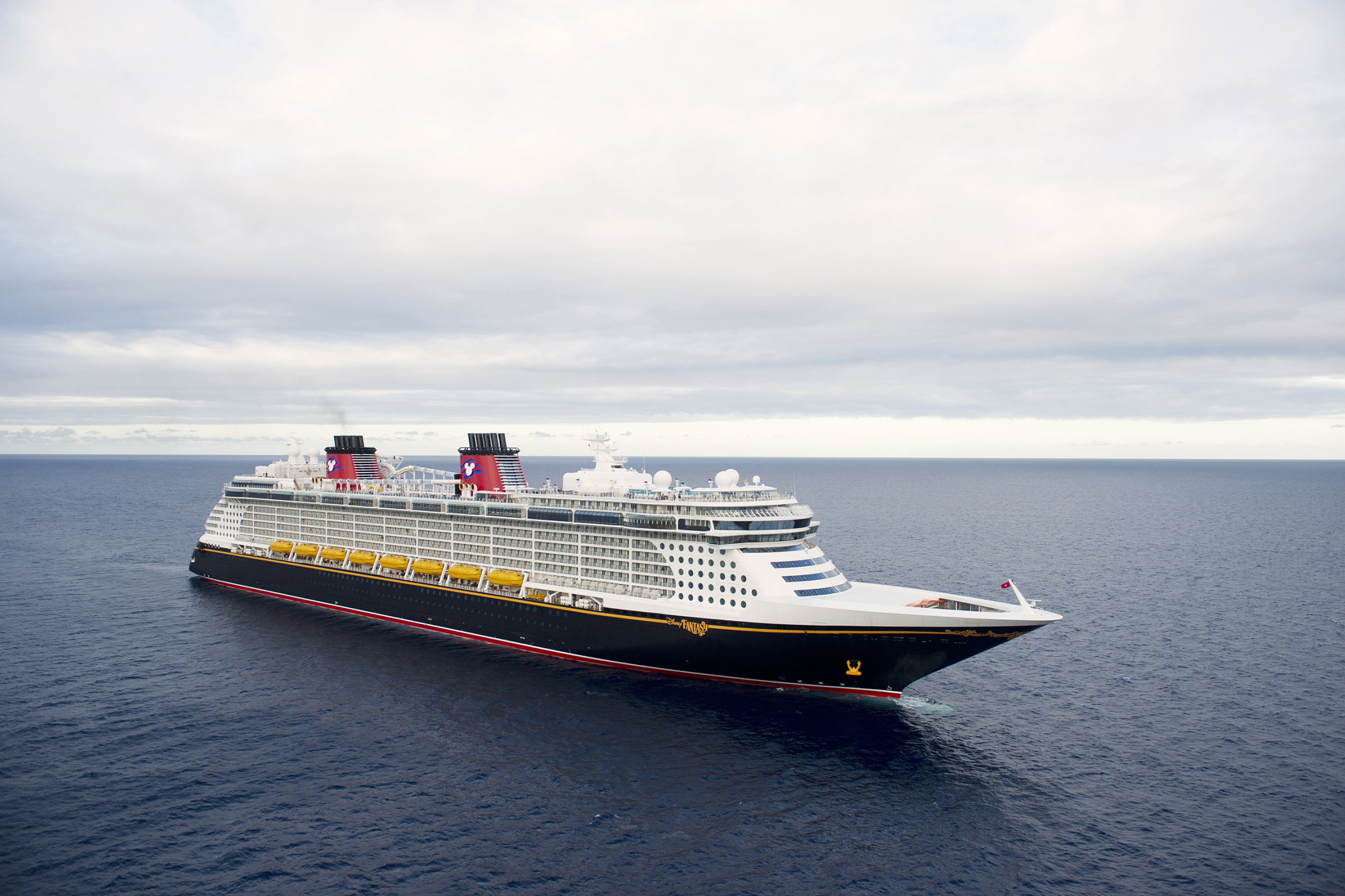 The Disney Fantasy continues the Disney Cruise Line tradition of blending the elegant grace of early 20th century transatlantic ocean liners with contemporary design to create one of the most stylish and spectacular cruise ships afloat. The Disney Fantasy offers modern features, new innovations and unmistakable Disney touches.