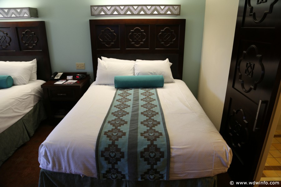 Coronado-Springs-Room-007