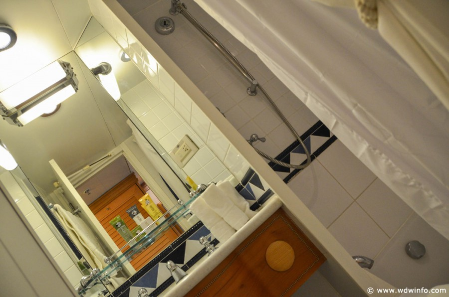 DCLCategory-5-Stateroom-017