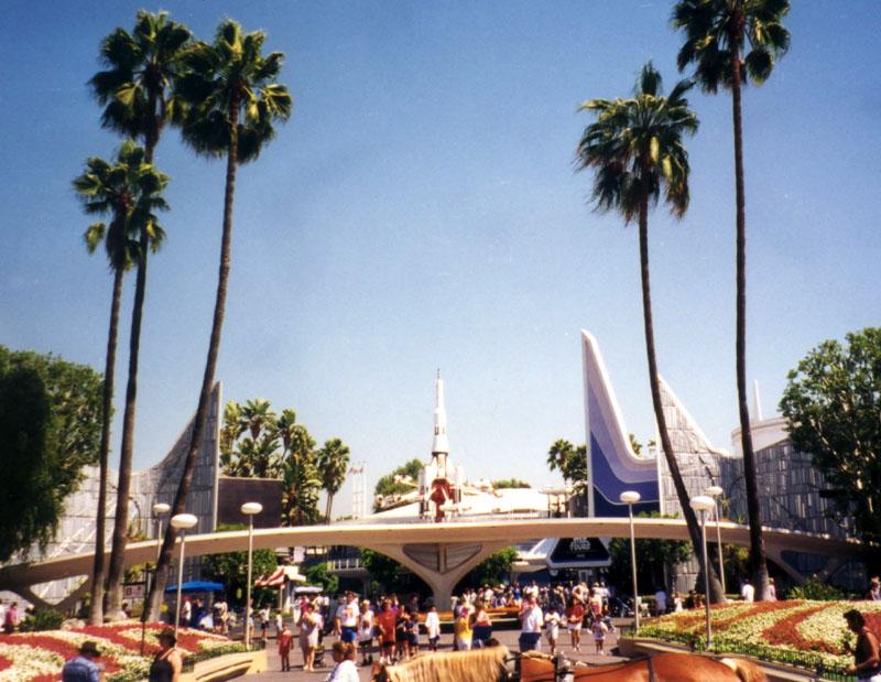 Tomorrowland96_wb