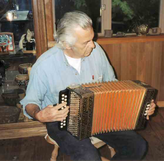 Duanepasco-accordion