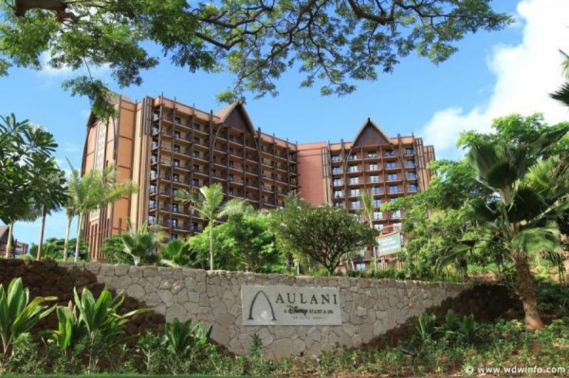 Aulani-entrance-lobby-10