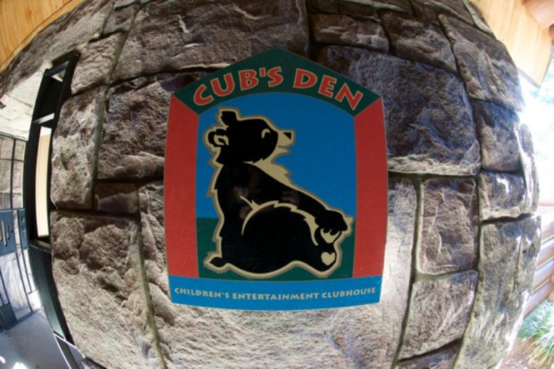WL Cubs Den