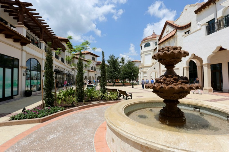 Guests Can Receive Free 25 Gift Card With 100 Shopping