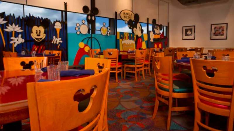 Chef Mickey's Interior