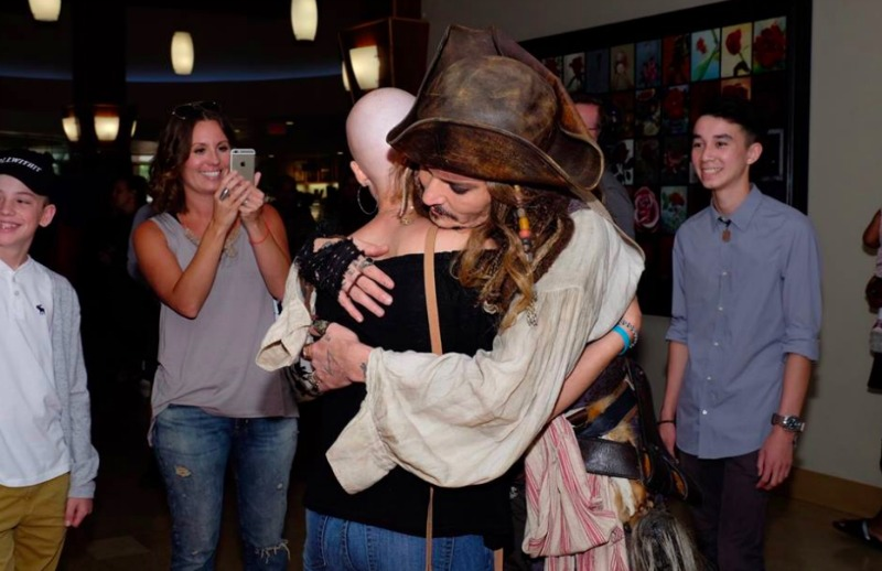 Jack Sparrow hugs cancer patient