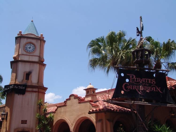 Pirates_of_Caribbean_Ride_01