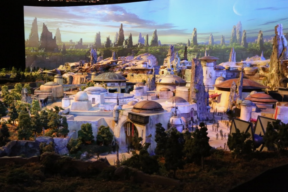 Star-Wars-Land-006