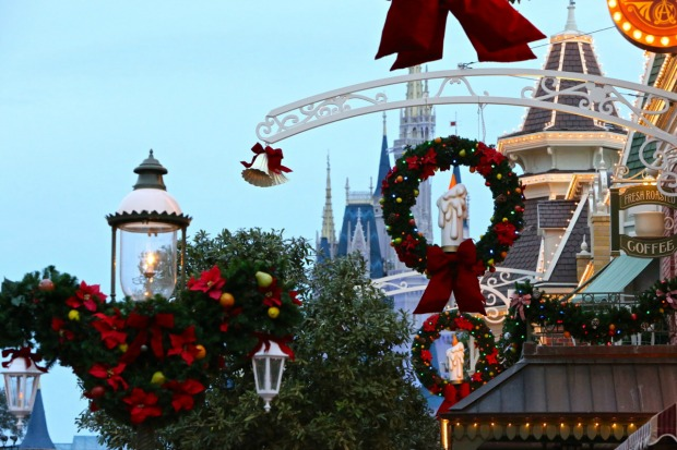 holiday events around walt disney world - When Does Disney Decorate For Christmas 2017