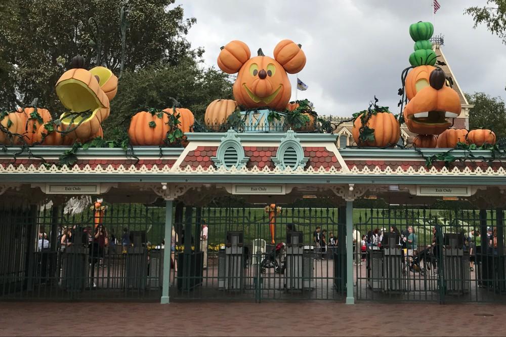 HalloweenDLentrance