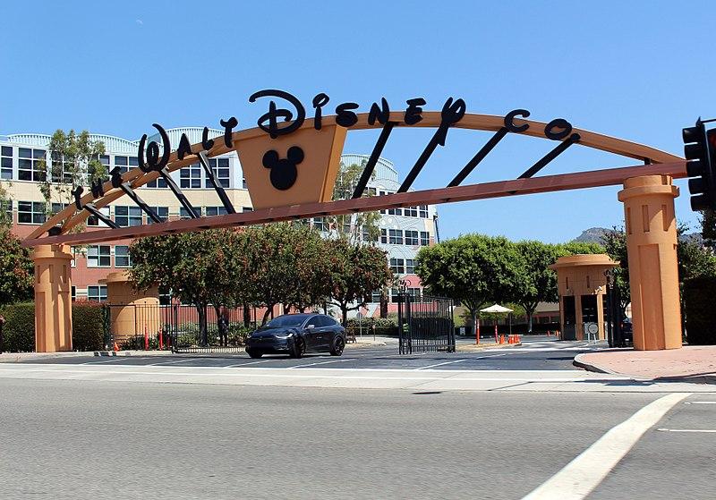 800px-Walt_Disney_Studios_Alameda_Entrance