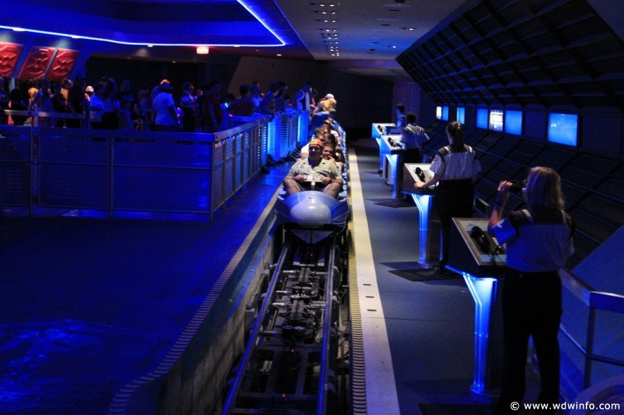 Space-Mountain-16