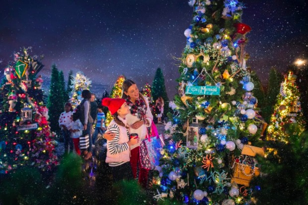 disney - When Does Disney Decorate For Christmas 2017
