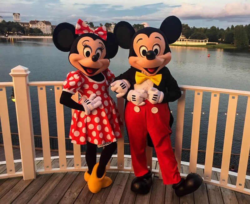Romance At The Resort Why A Walt Disney World First Date
