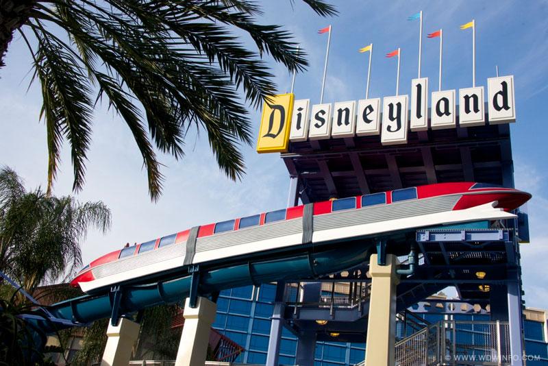 Disneyland-Hotel-Slide