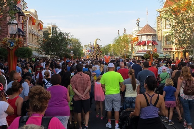 5 Ways For Disney To Address The High Crowds At Disney Parks