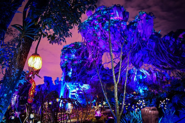 Pandora: World of Avatar is a must-see at night