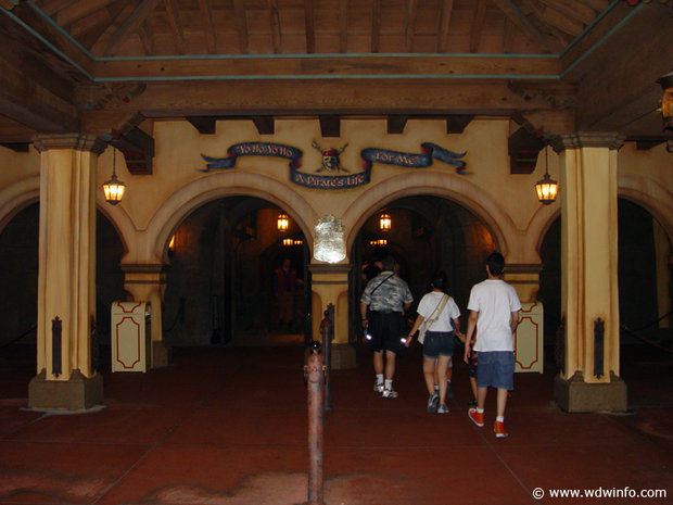 rsz_pirates_of_caribbean_ride_06